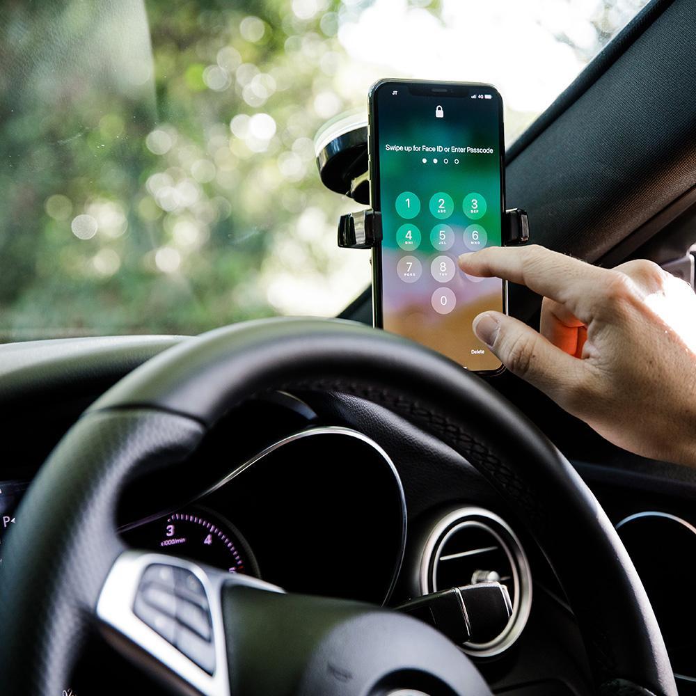 چگونه میتوان در زمان رانندگی برای ایمنی بیشتر از تلفن همراه استفاده نمود ؟