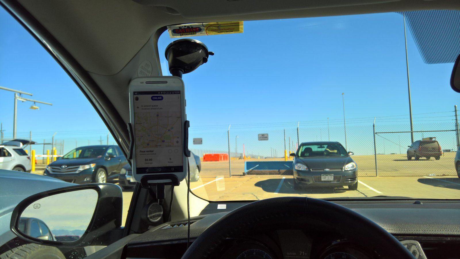 آموزش نصب هولدر موبایل در سمت پنجره راننده